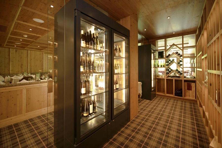 Buffet vins & spiritueux © Hotel Alpenhof Hintertux / Birgit Koell