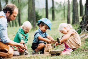 Construction de caisse à savon, activités enfants, Familien-Landhotel Stern, Tyrol