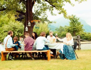 Moments de convivialité au Familien-Landhotel Stern, Obsteig, Tyrol