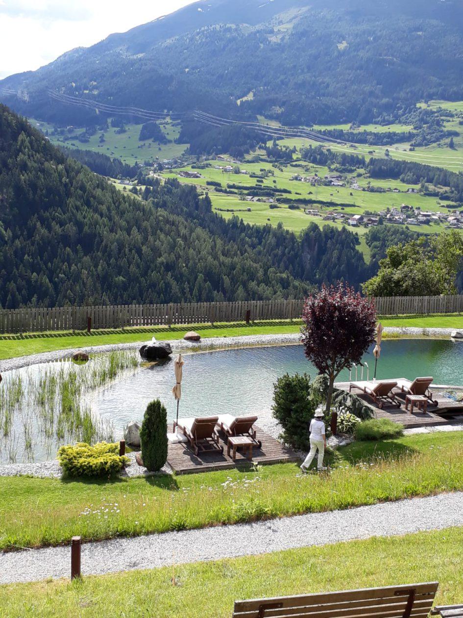 Hotel Jerzner Hof Pitztal Vue Jardin avec étang